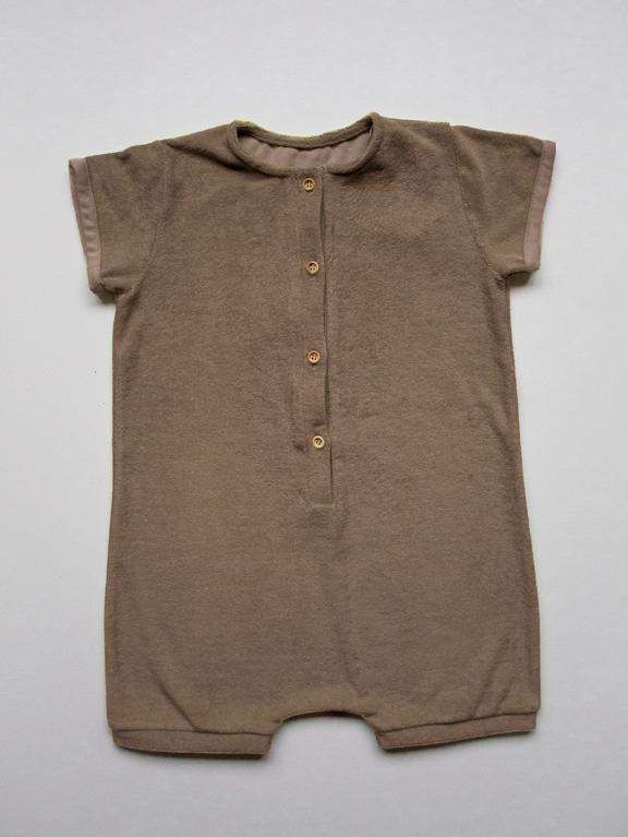 Playsuit Baby Walnut von The Simple Folk