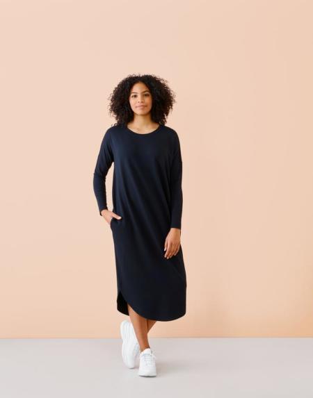 Kleid Round Hem Adultes Lyocell Black von Papu