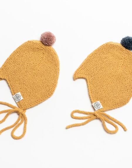 Mütze Baby Nanna & Niels Alpaka Currygelb von Mini Fabrik