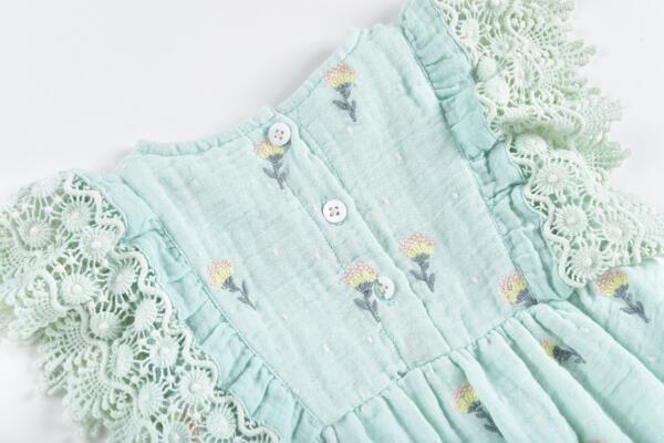 Jumpsuit Baby Agaro Dandelion Flowers von Louise Misha
