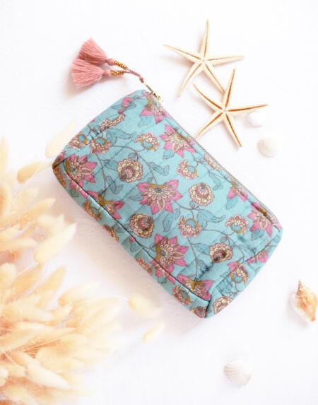 Pouch Mila Turquoise Flowers von Louise Misha