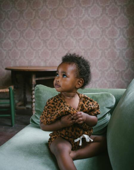 Towel Suit Baby Joe Leopard Sandstone von Daily Brat