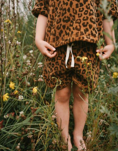 Shorts Kids Leopard Towel Sandstone von Daily Brat