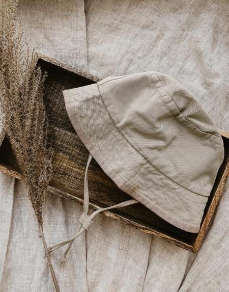 The Bucket Hat von The Simple Folk