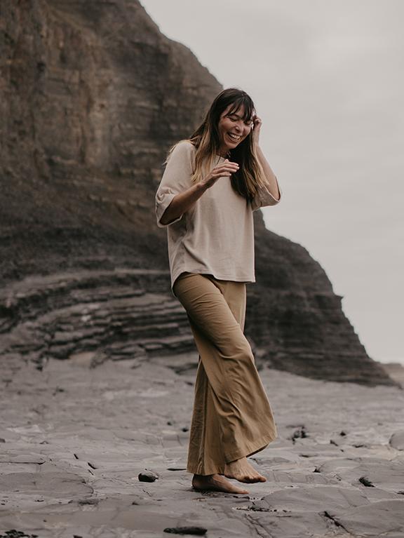 The Wide Leg Trouser Woman Camel von The Simple Folk