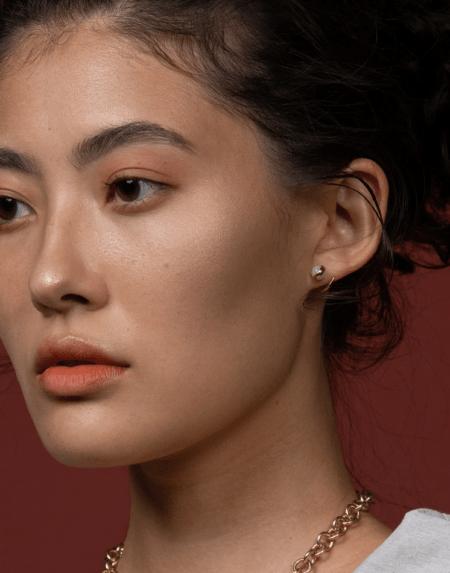 Drop Spiral Stud Jade Gold von Hana Kim