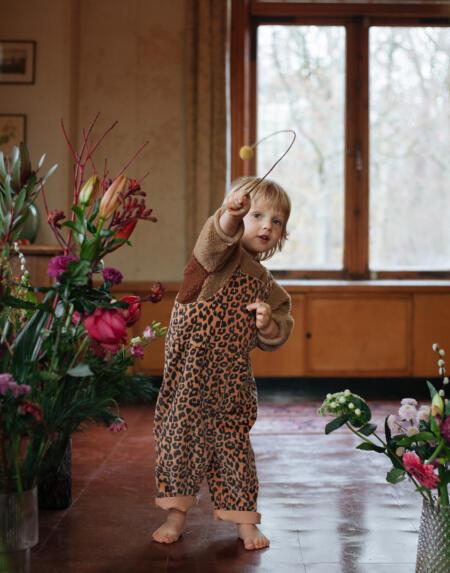 Latzcordhose Baby Leopard von Daily Brat