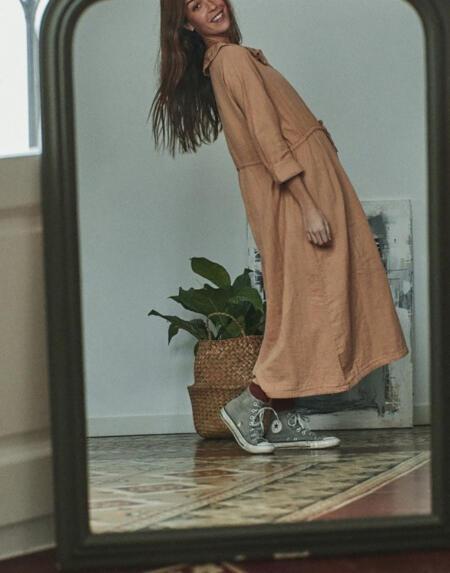Kleid Avena Indian Tan von Poudre Organic